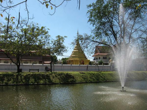 Waty a pagody v Chiang Mai - Tomáš Procházka - Impleo