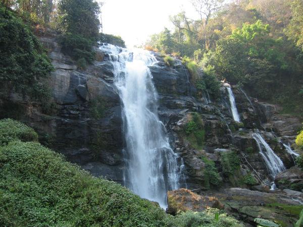 Vodopád cestou z Doi Inthanon