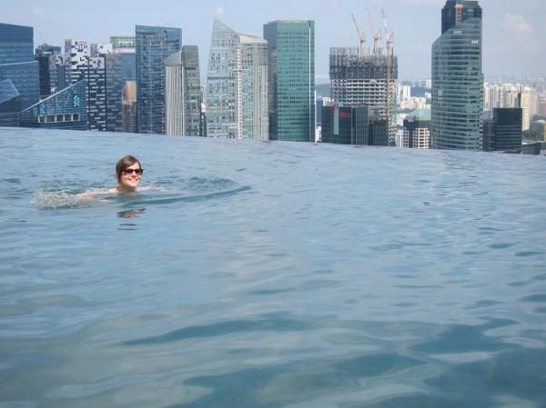 Adéla Šestáková Marina Bay Sands Infinity Pool